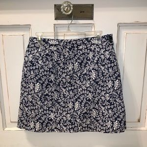 "Skort (skirt over shorts), like new, 18"" length"